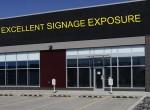 90 excellent signage exposure